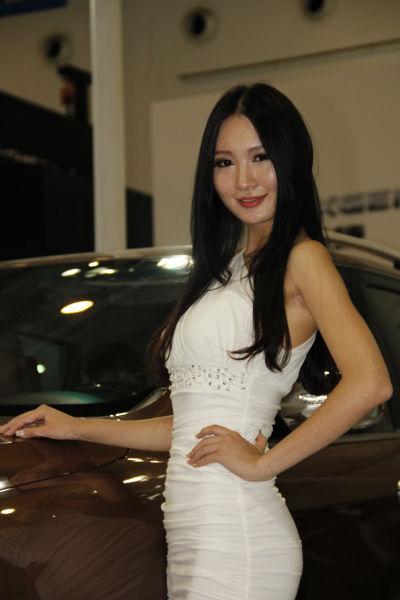 2012年青岛秋季国际车展美女模特(6)