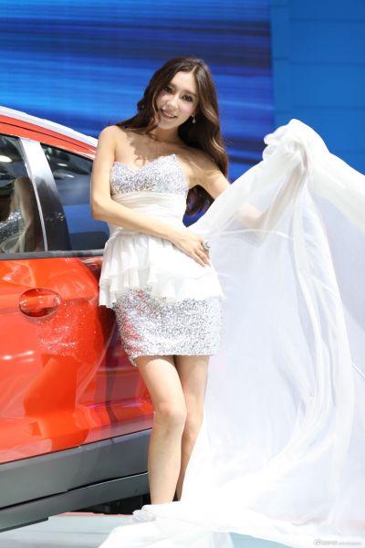 2012年广州车展福特展台美女模特(3)