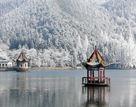 冬日赏凇景仿佛走进童话世界