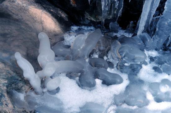 水帘峡冰瀑