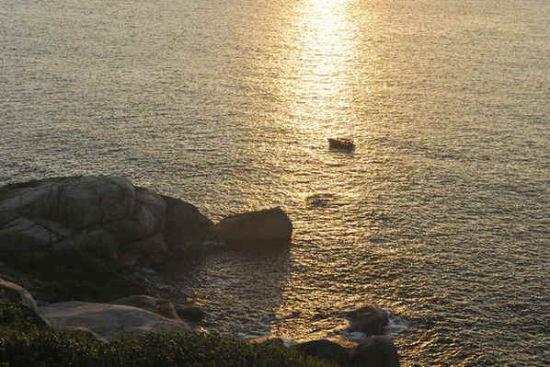 金龟探海夕阳照