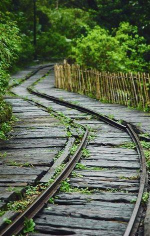 陈旧的轨道
