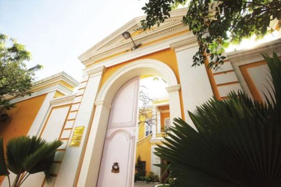 曾为法属殖民地的城市充满了殖民风味的建筑