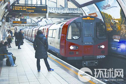 地铁是伦敦人首选的交通工具。