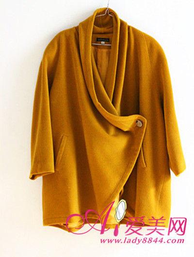 黄色无领外套搭配丝巾