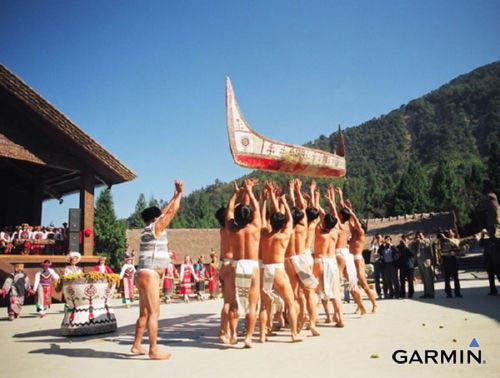九族文化村中达悟族的大船下水仪式,极具特色。