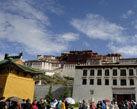 西藏2012年旅游总收入首次突破百亿
