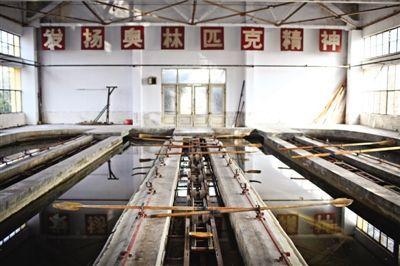 冬季暂时沉寂的微山县水上运动学校。