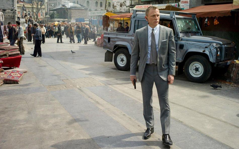 捷豹路虎赞助007电影拍摄