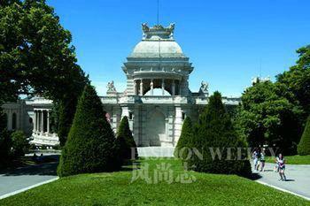 隆尚宫被认为是第二帝国时期马赛最美丽的建筑之一。