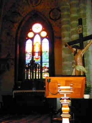 依云小镇上的教堂。