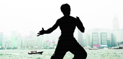 位于香港星光大道的李小龙雕像