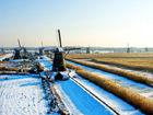 雪霁初晴荷兰最著名小镇风车群格外亮丽