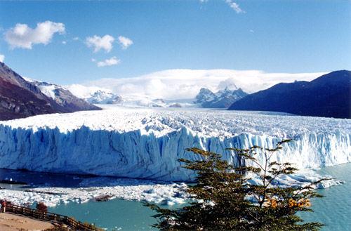 莫雷诺冰川