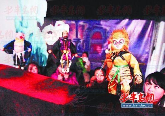 莱西木偶艺术团自编自演的创新剧目《新西游记》彩排现场。