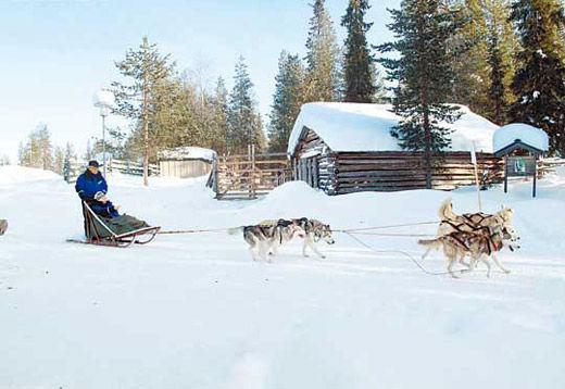 芬兰萨拉冰窝
