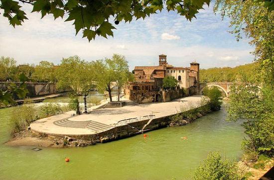 意大利罗马的台伯岛(Tiber Island)