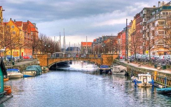 丹麦哥本哈根的克里斯钦港(Christianshavn)