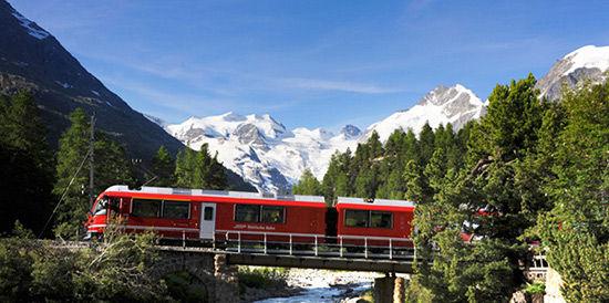 瑞士雷蒂亚列车之旅