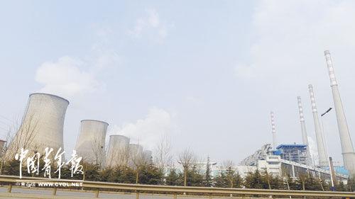 2月19日,紧挨着茌平县城的信华集团工厂正在生产。本报记者 丁先明摄