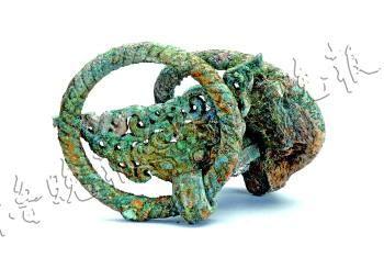 齐国故城10号区发掘出土的C型青铜铺首。 省文物考古研究所 供图