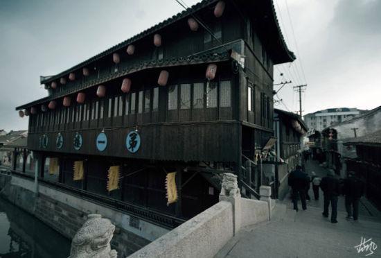 新浪旅游配图:隐于闹市的古镇 摄影:蓝风