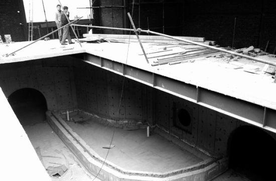 昨日,尚在施工中的大明湖景区海洋馆,馆内新建立的地下通道的概貌已经显现 记者傅琪媛摄