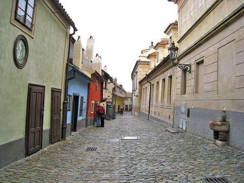 淡季的黄金巷