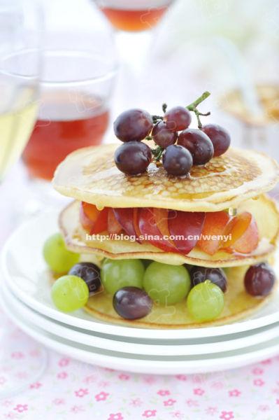 绚丽早餐开启美好一天 枫糖水果煎饼