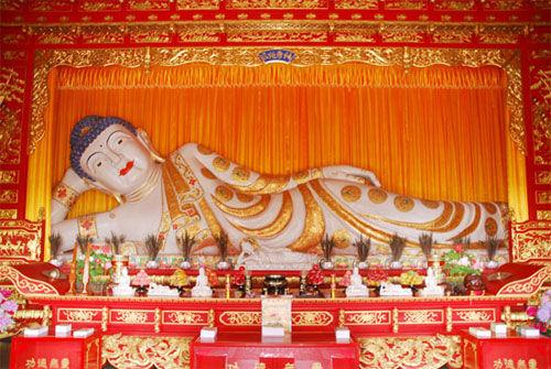 玉佛寺-世界最大缅玉卧佛