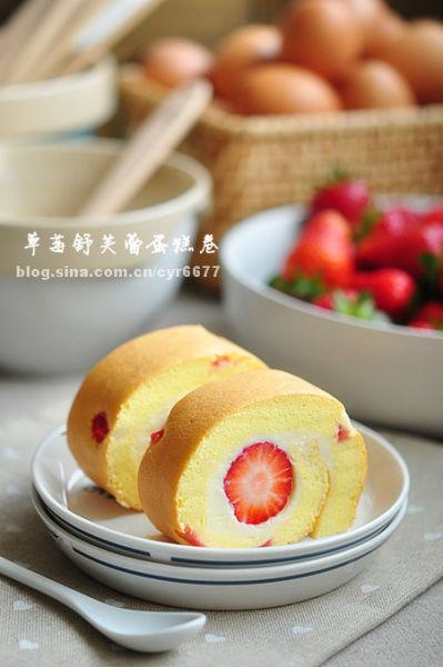 草莓舒芙蕾蛋糕卷