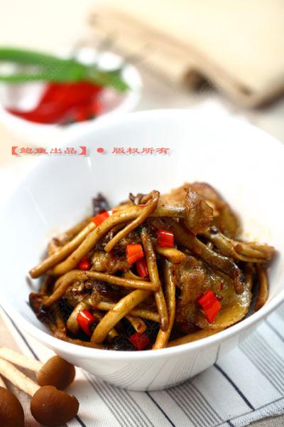 茶树菇炒五花肉