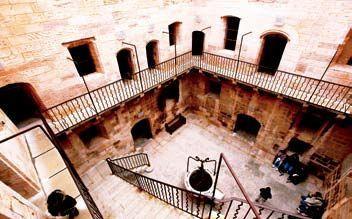 阴森的监狱城堡