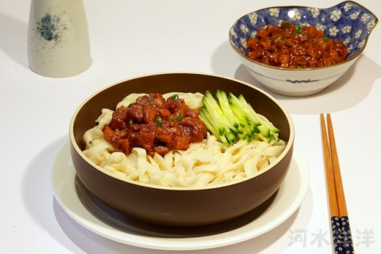 传统老北京炸酱面