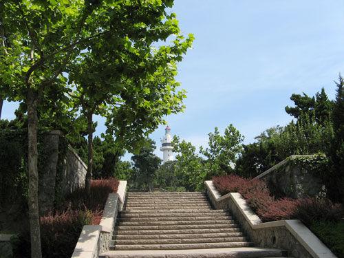 烟台市市标——古堡式灯塔