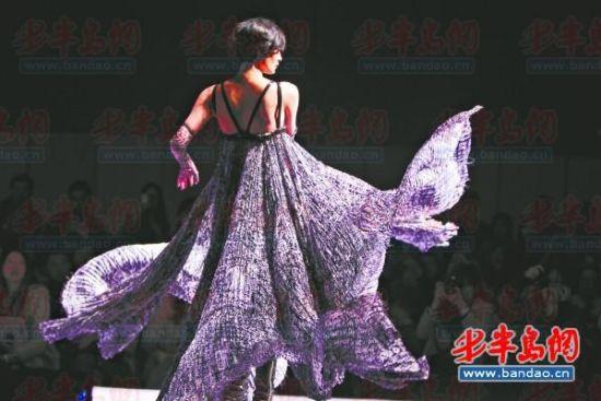 """依托第十三届中国(青岛)国际时装周这一国家级专业会展平台,采取""""双周"""