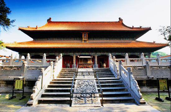 曲阜孔庙大成殿与北京紫禁城的太和殿,泰山岱庙的天贶殿并称东方三大殿。