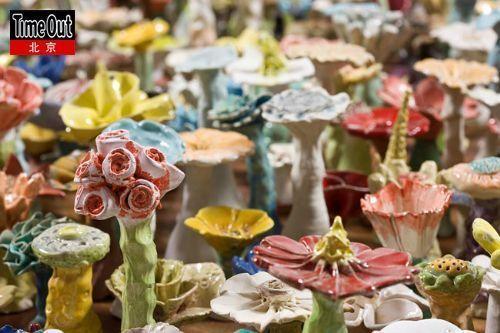 在利川Cerapia,出自西班牙女艺术家之手的700朵陶瓷花热烈地绽放着。