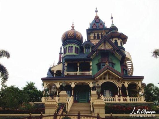 """香港迪士尼新园区""""迷离庄园""""将于5月17日向公众开放。"""