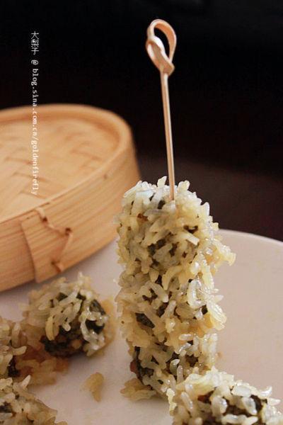 用电饭锅制作广式糯米团 荠菜珍珠丸子