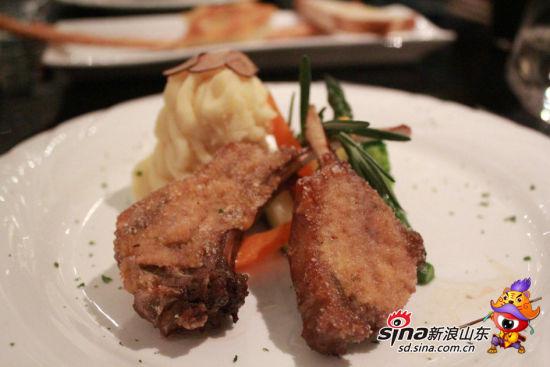 扒澳洲羊排配土豆泥与时令蔬菜