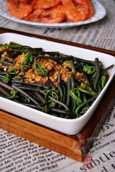 蒜泥拌蕨菜