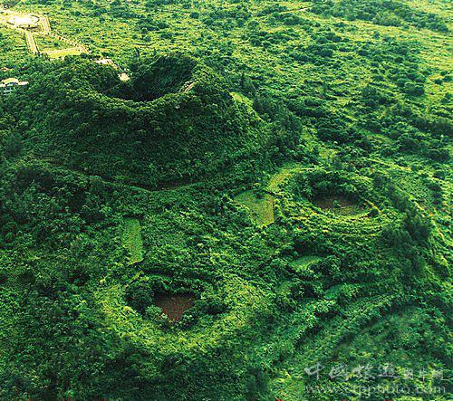 马鞍岭火山是世界上最完整的死火山口之一(海南椰湾集团提供)