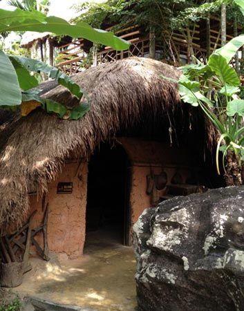 黎族人的土房 摄影:丁燕