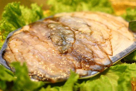刺身海参摆盘 刺身三文鱼摆盘造型 三文鱼刺身摆盘图片