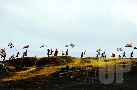 在海拔五千米的秘鲁高原上,当地人仍然健步如飞。