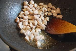 豌豆猪肉土豆丁