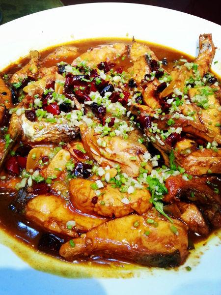 热菜-辣炒鲤鱼