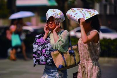 进入7月份以来,南京出现了多个高温天气。本报资料图片 刘浏 摄