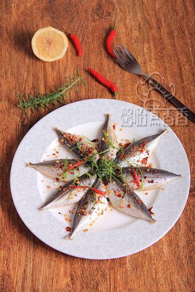 迷迭香烤沙丁鱼